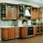 кухонные гарнитуры массив дерева
