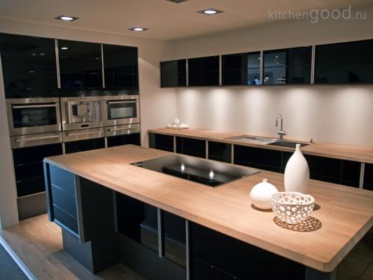 Кухня с встроенной техникой