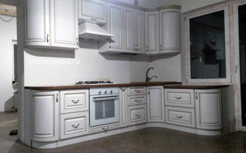 Кухня Классика белая с патиной