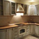 Кухня Классика светлая Массив дуба
