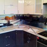 Кухня пластик двухцветная